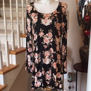 30% Off Bundles 2+ / Floral Jersey Dress